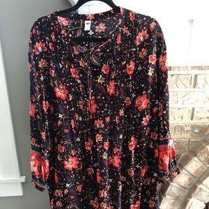 Old Navy Bright floral pattern flowy dress!